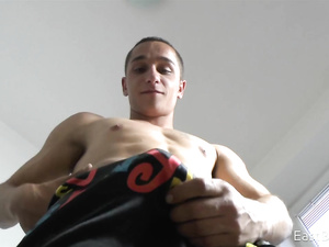 Twink keeps his body shaped sexy by lifting dumbbell